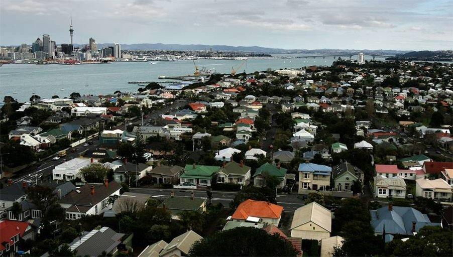 Охлаждение рынка недвижимости Новой Зеландии для устранения рисков банковской системы