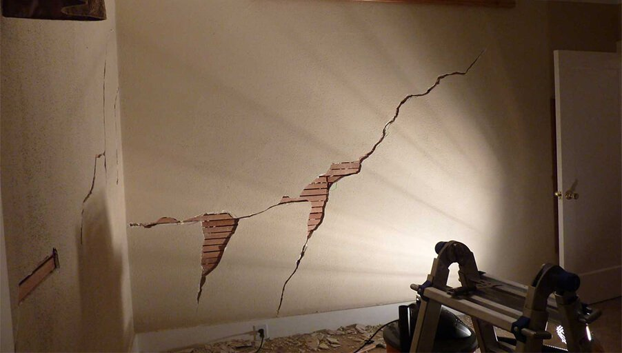Усадка дома: как подстраховаться и сохранить ремонт в новостройке.