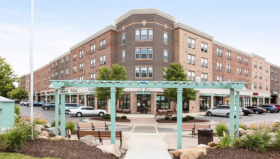 На рынке недвижимости продолжает расти предложение апартаментов